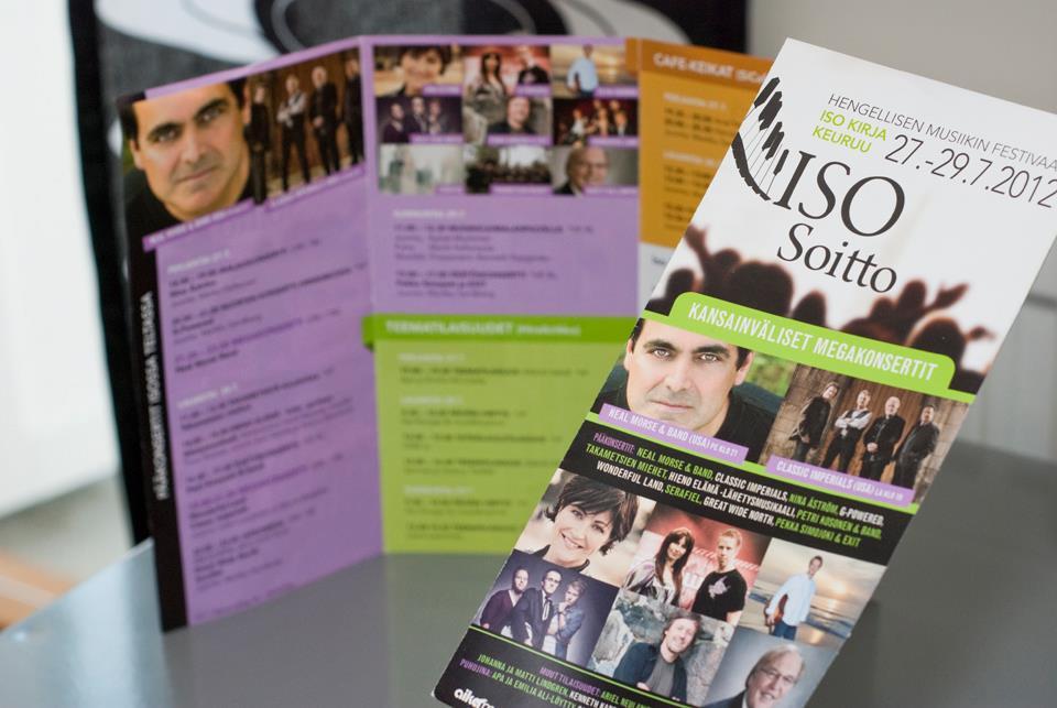 Iso Soitto 2012 -tapahtuman ohjelmalehtinen sekä julistesuunnittelu samalta pohjalta.