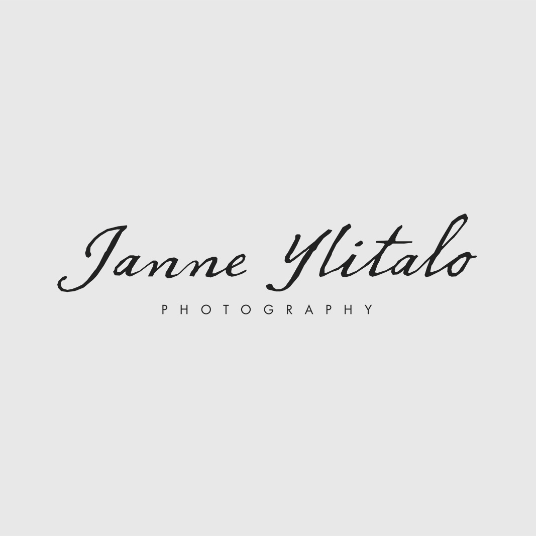 Valokuvaaja Janne Ylitalolle suunniteltu logo. www.janneylitalo.com