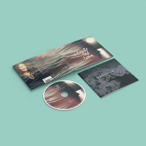 """Maria Sarmannon debyyttialbumi """"Light of Love"""" (Päivä Osakeyhtiö 2017). Digipakin visuaalisen ilmeen suunnittelu. http://www.nettikirjakauppa.com/light-of-love.html"""
